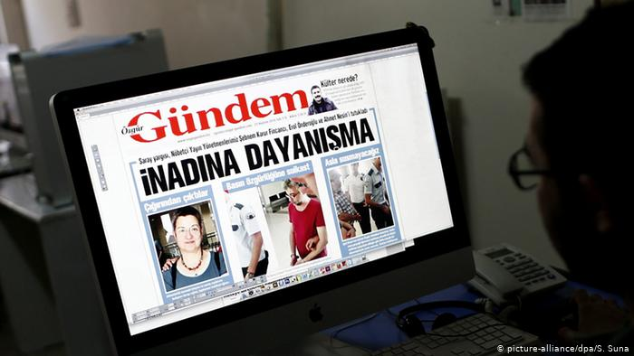 Özgür Gündem davasında Aslı Erdoğan, Necmiye Alpay ve Bilge Aykut beraat etti. Mahkeme, İnan Kızılkaya, Eren Keskin, Kemal Sancılı ve Zana Bilgi Kaya'nın dosyalarını ayırdı.